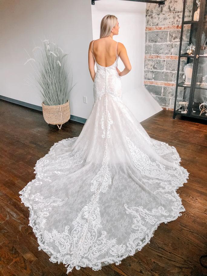 Model wearing wedding dress Martina Liana Style 1250